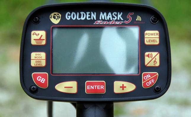 golden-mask-5-new-03