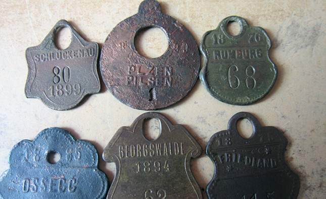 unusual-finds-dog-tokens-05
