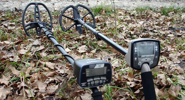 minelab-safari-vs-garrett-at-pro-comparison-01