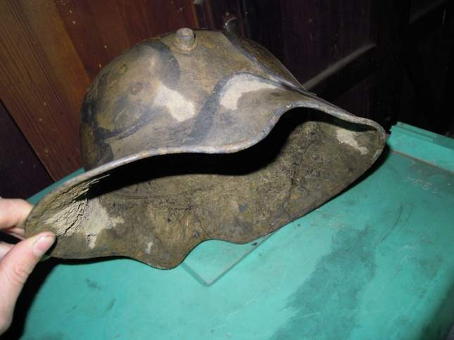 found-wwi-helmets-07