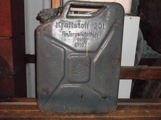 found-wwii-german-jerrycan-01
