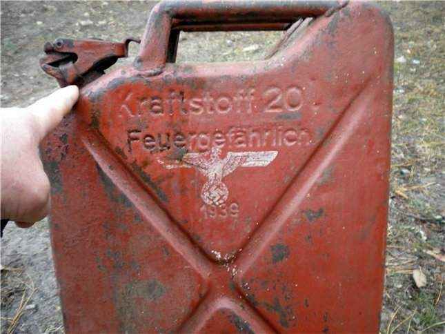 found-wwii-german-jerrycan-06