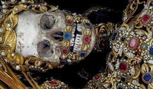 The dead with jewelry. Really creepy photos