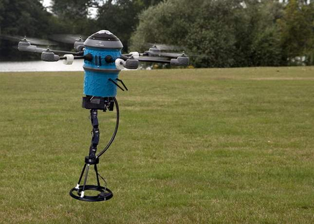robot-with-metal-detector-2