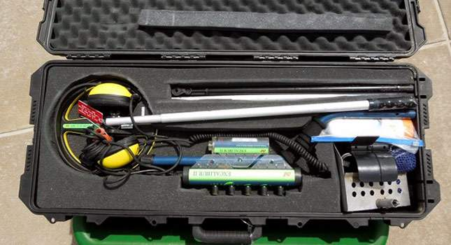 hard-case-for-metal-detector-08
