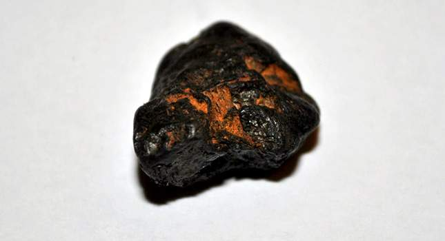 meteorite-finds-how-to-identify-04