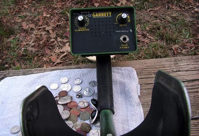 old-metal-detectors-06