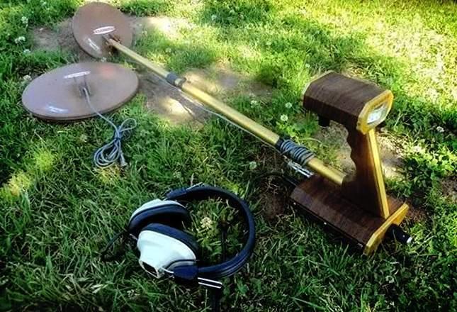 old-metal-detectors-08
