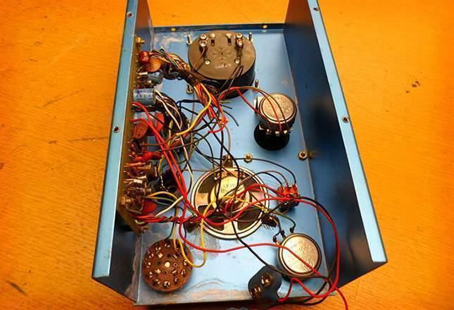 old-metal-detectors-09