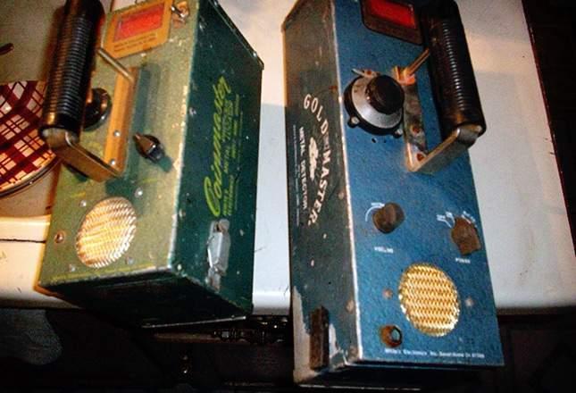 old-metal-detectors-12