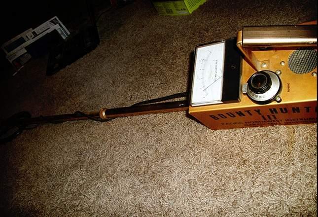 old-metal-detectors-14