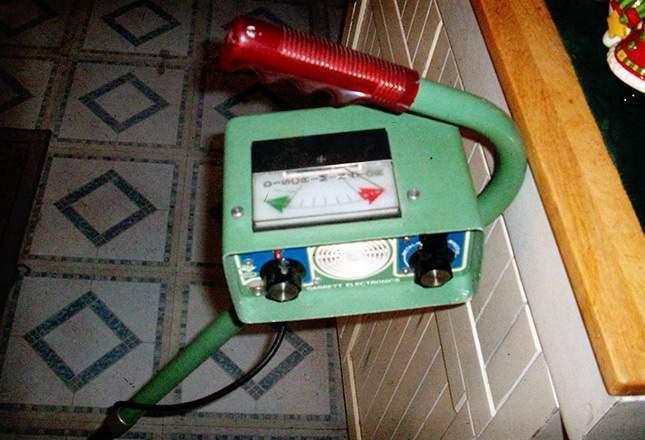 old-metal-detectors-17