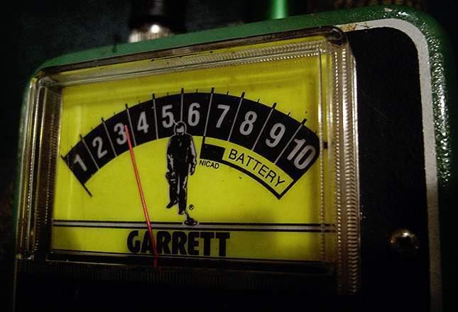old-metal-detectors-23