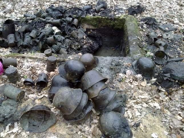 found-wwi-helmets-02