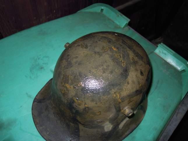 found-wwi-helmets-08