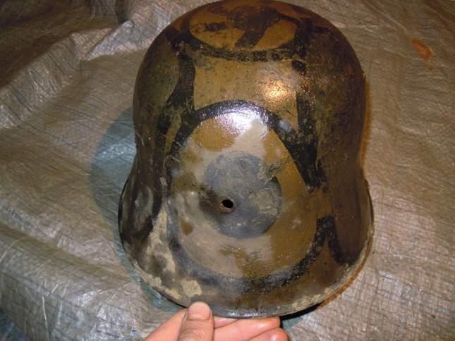 found-wwi-helmets-18