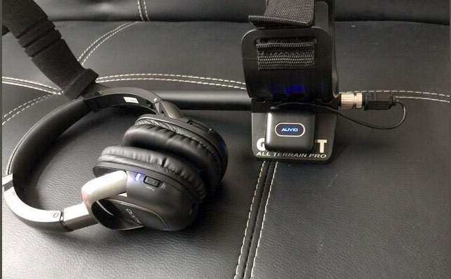 garrett-at-female-headphone-jack-on-the-shaft-06