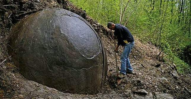 giant-sphere-amazing-finds-02