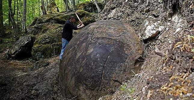 giant-sphere-amazing-finds-04