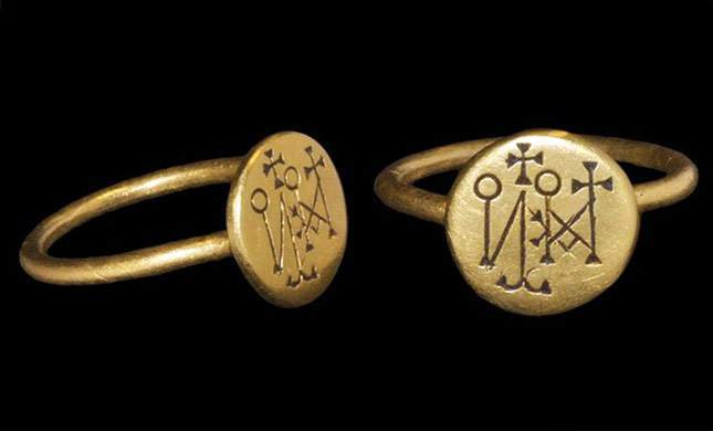 roman-and-byzantine-gold-signet-rings-super-finds-05