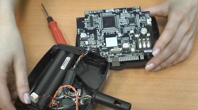 opening-repairing-the-minelab-x-terra-305-04