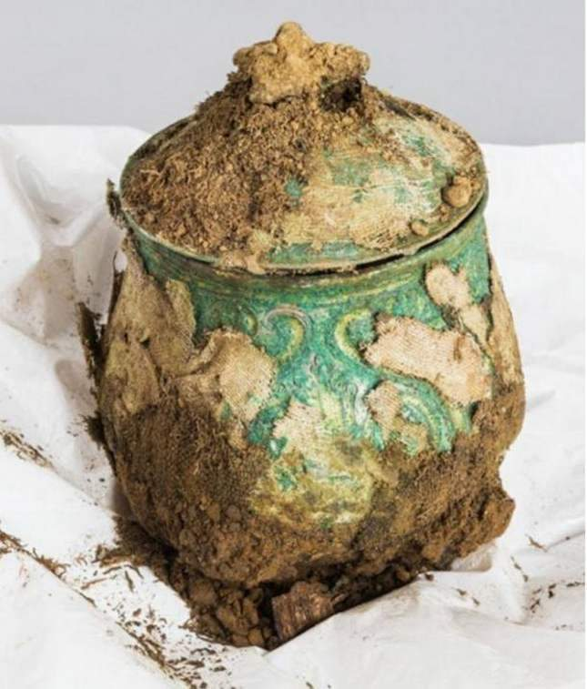 Found: a marvelous pot of Viking treasure (contains gold)