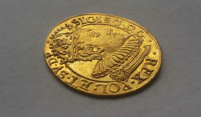 gold-ducat-1609-ordinary-diggers-amazing-find-7