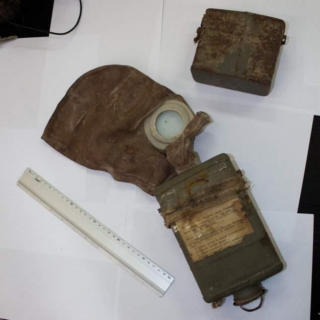 prince-avalov-gas-mask-unusual-finds-01