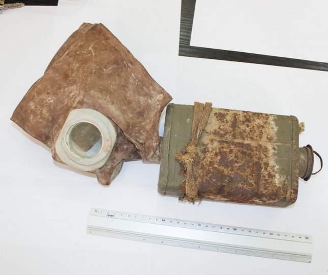 prince-avalov-gas-mask-unusual-finds-13