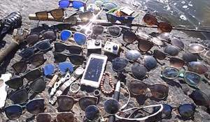 Things found during an underwater search. Video